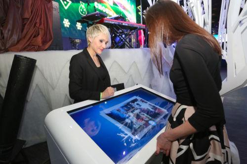 Интерактивный сенсорный стол и стойка